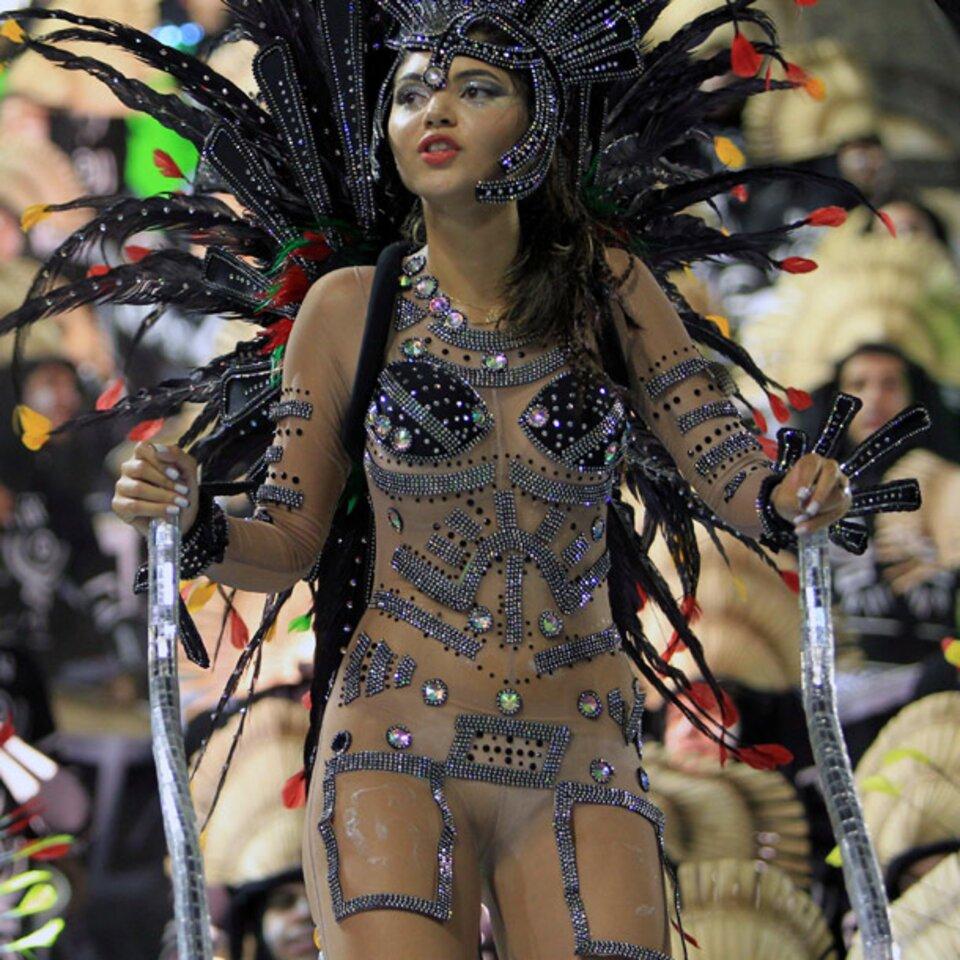nackt karneval samba
