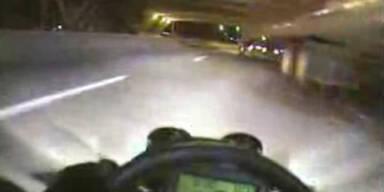 Go-Kart-Raser im Straßenverkehr - nachts!