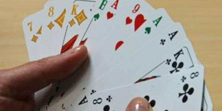 Kartenspiel-Streit endet mit Messerstich