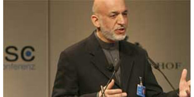 Karzai gewinnt mit absoluter Mehrheit