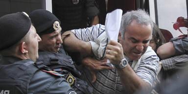 Ex-Schachweltmeister Kasparow droht Haft