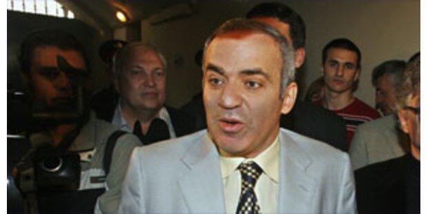 Kasparow gründete alternatives Parlament