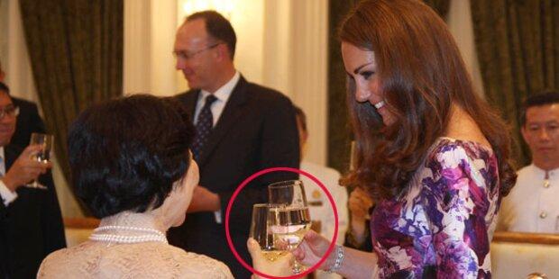 Kate schwanger? Wasser statt Wein