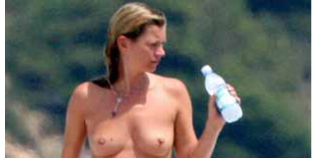 Sonnenanbeterin Kate Moss beim Oben-Ohne-Bad