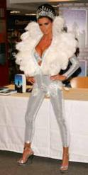 katie price wunderliches outfit middl