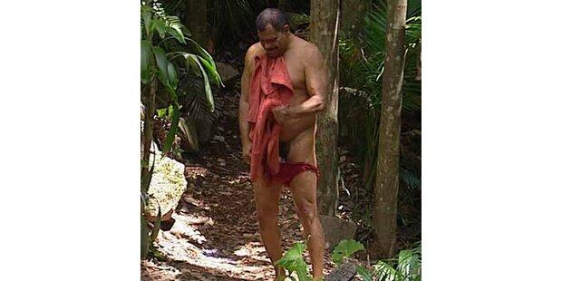 Nackt-Alarm im Urwald