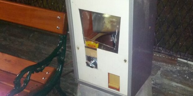 Fünfjähriger bleibt mit Hand in Kaugummiautomat stecken