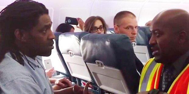 Weil er aufs Klo ging: Delta-Air schmeißt Passagier von Bord