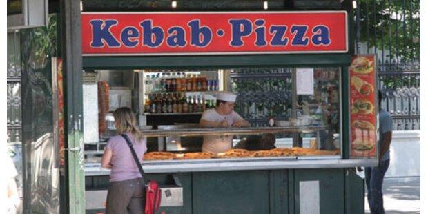 Zwei Verletzte bei Rauferei an Kebabstand