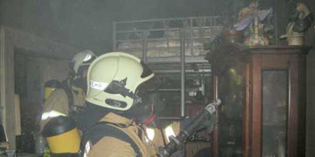 Mann erstickt bei Flucht vorm Feuer