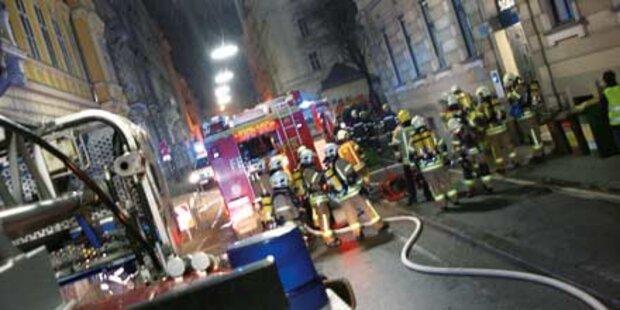 Hochschwangere Frau vor Flammen gerettet