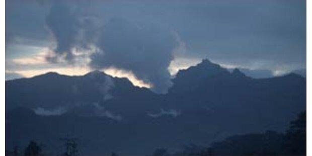 Vulkan Kelud droht auszubrechen