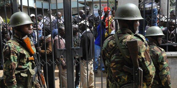 Fünf Polizisten bei Terroranschlag getötet