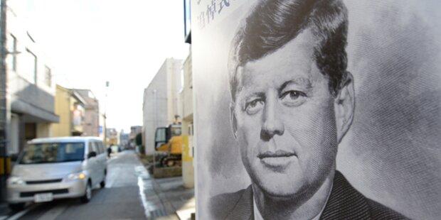 JFK: Schaukelstuhl und Flaggen versteigert