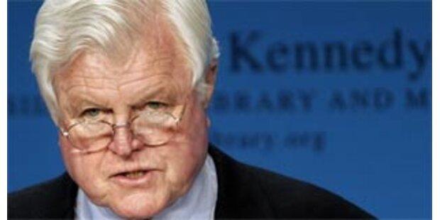 Ted Kennedy lässt Hirntumor operieren