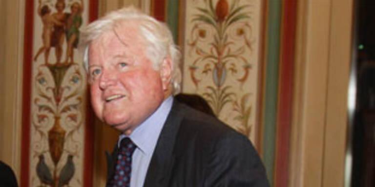 Kennedy nach Gehirn-OP wieder im Senat