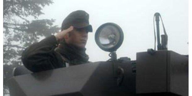 Österreich stellt 200 Soldaten Reserve für Kosovo