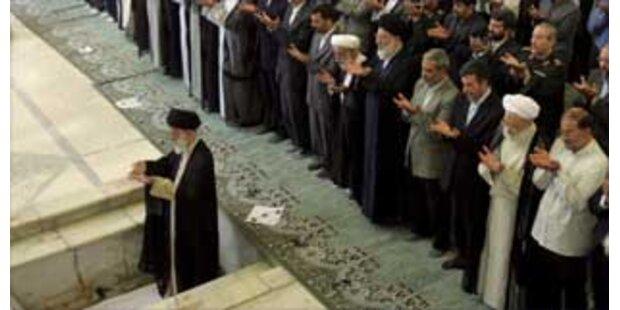 Khamenei vergleicht Bush mit Hitler
