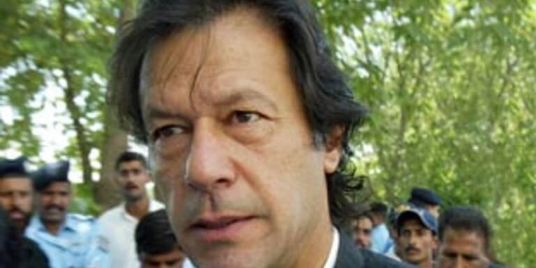 Musharraf tritt Samstag als Heereschef zurück