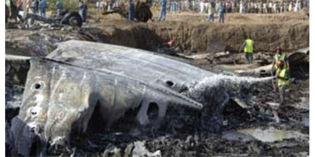 Flugzeug stürzte über Wohngebiet in Khartum ab