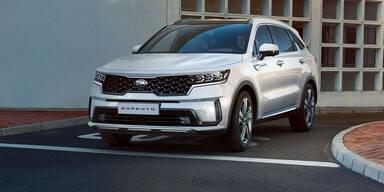 Kia Sorento mit Hybrid-Benziner und Diesel