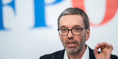 FPÖ will Schutzschirm gegen Ausverkauf des Tourismus