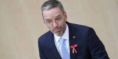 Peschorn reformiert Rückkehrzentren: Kickl tobt