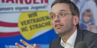 """Zeuge: """"Geldkoffer an FP-Manager"""""""