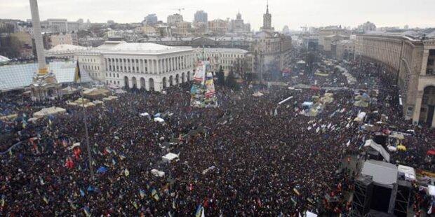 200.000 demonstrieren gegen Ostkurs