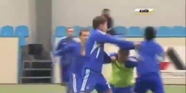 Heftige Schlägerei bei Dynamo Kiew Training
