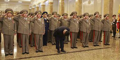 Hier verneigt sich sogar der irre Kim