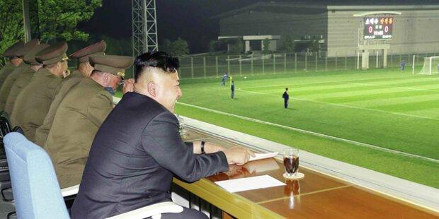 Hier entspannt Kim Jong-un beim Fußball