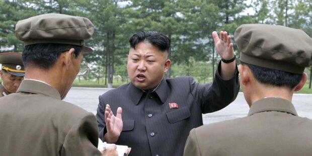 Nordkorea schießt Raketen ins Meer