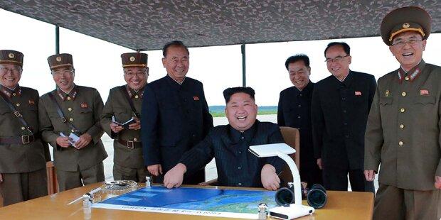 Kim schockt die Welt – und grinst dabei