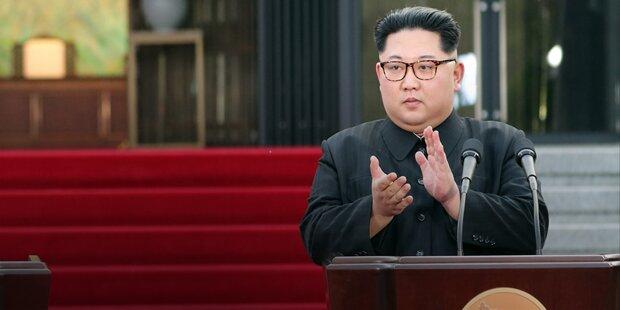 Kim lädt Papst Franziskus ein