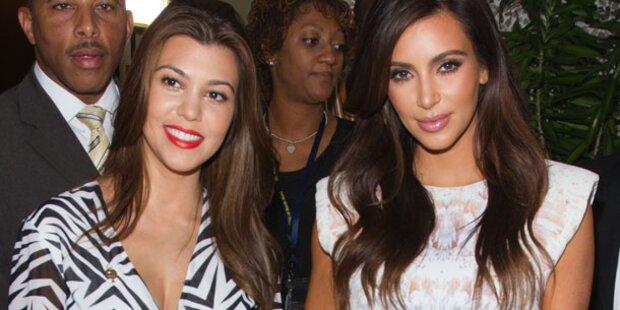 Kardashians: Kourtney gibt Kim die Brust