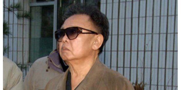 Nordkoreas Staatschef Kim Jong-il am Leben