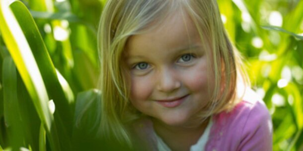 Fixe Bettgehzeit macht Kinder klüger
