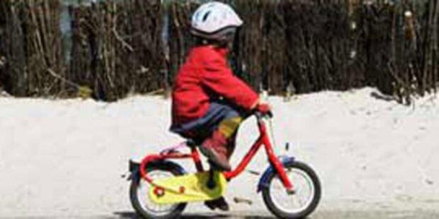 Vierjährige Radfahrerin schwer verletzt