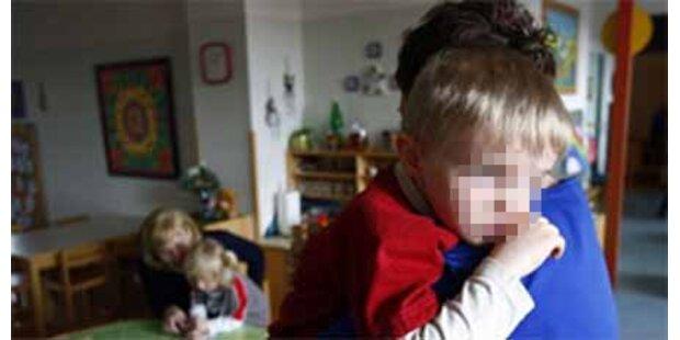 Kindergärtnerinnen folterten Kinder