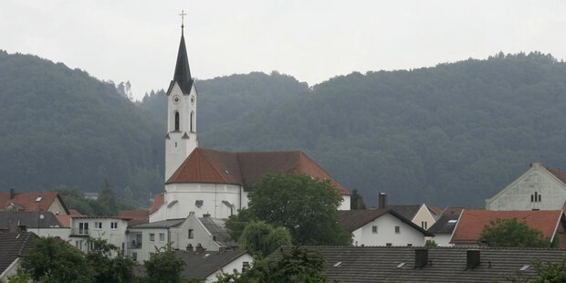 1. Kirche lässt Handy statt Glocken läuten