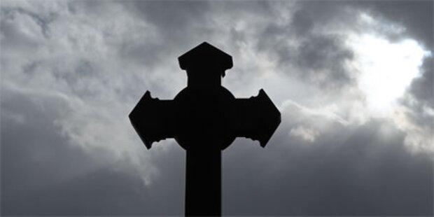 Pensionist (64) beschmierte Kirchenplatz