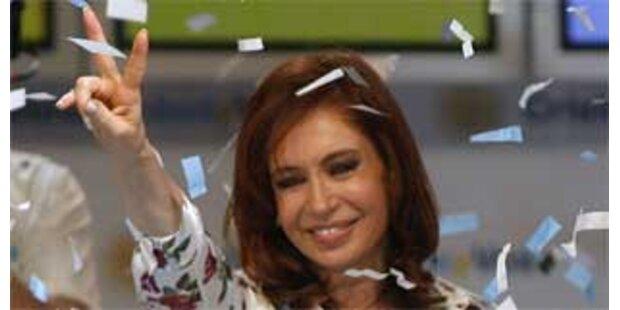 Kirchner hat breite Mehrheit im Parlament