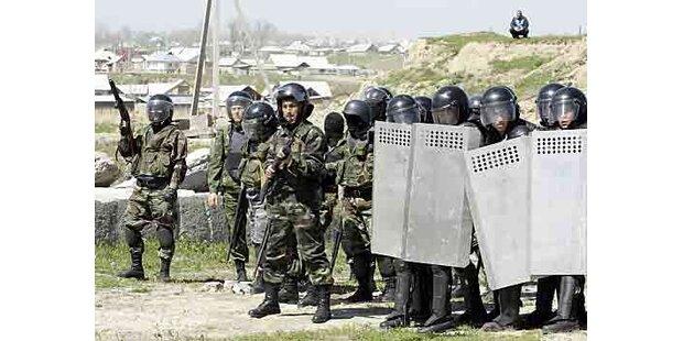 Kirgistan setzt jetzt Wahlen an