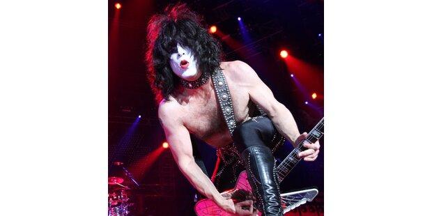 Kiss: Zirkus-Spektakel aus Blitzen, Feuer und Blut