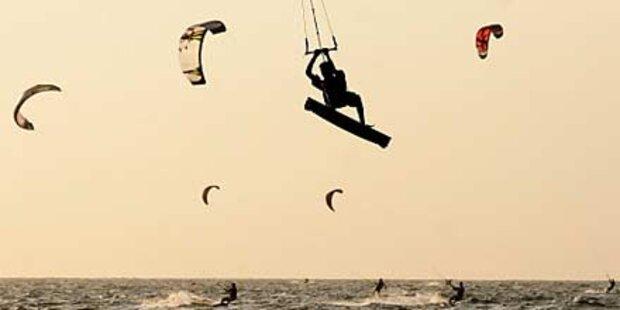 Kitesurfer prallte gegen Wohnwagen