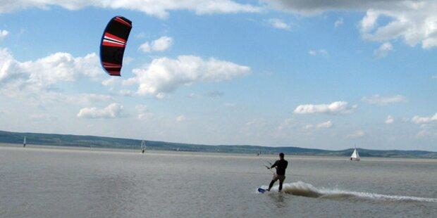 Podersdorf: Kitesurfer müssen Nummer tragen