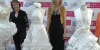 Wer macht das beste Kleid aus Klopapier?