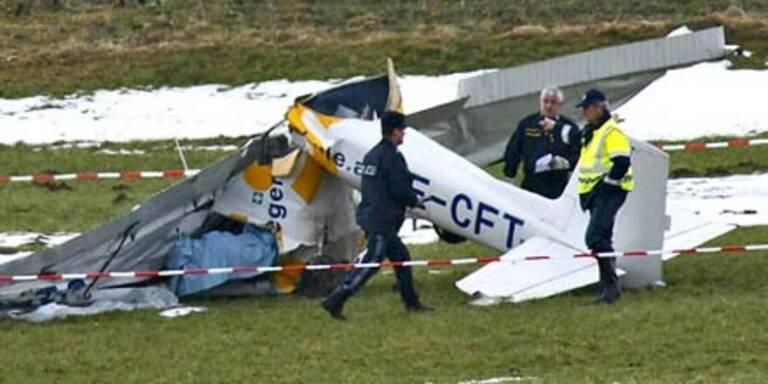Kleinflugzeug abgestürzt - Zwei Tote