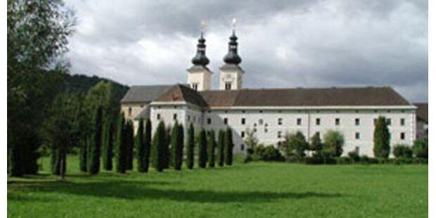 Gauner nahmen Kloster aus